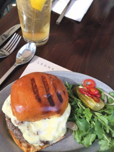 Leona-burger-375x500