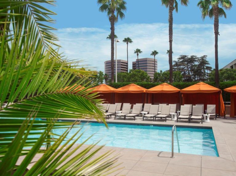 Hotel Irvine_pool