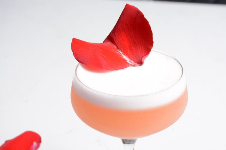 Twohey's Tavern - Rose Bowl Cocktail (1)